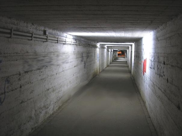 Pose d'un nouveau système d'éclairage dans le passage Schweitzer