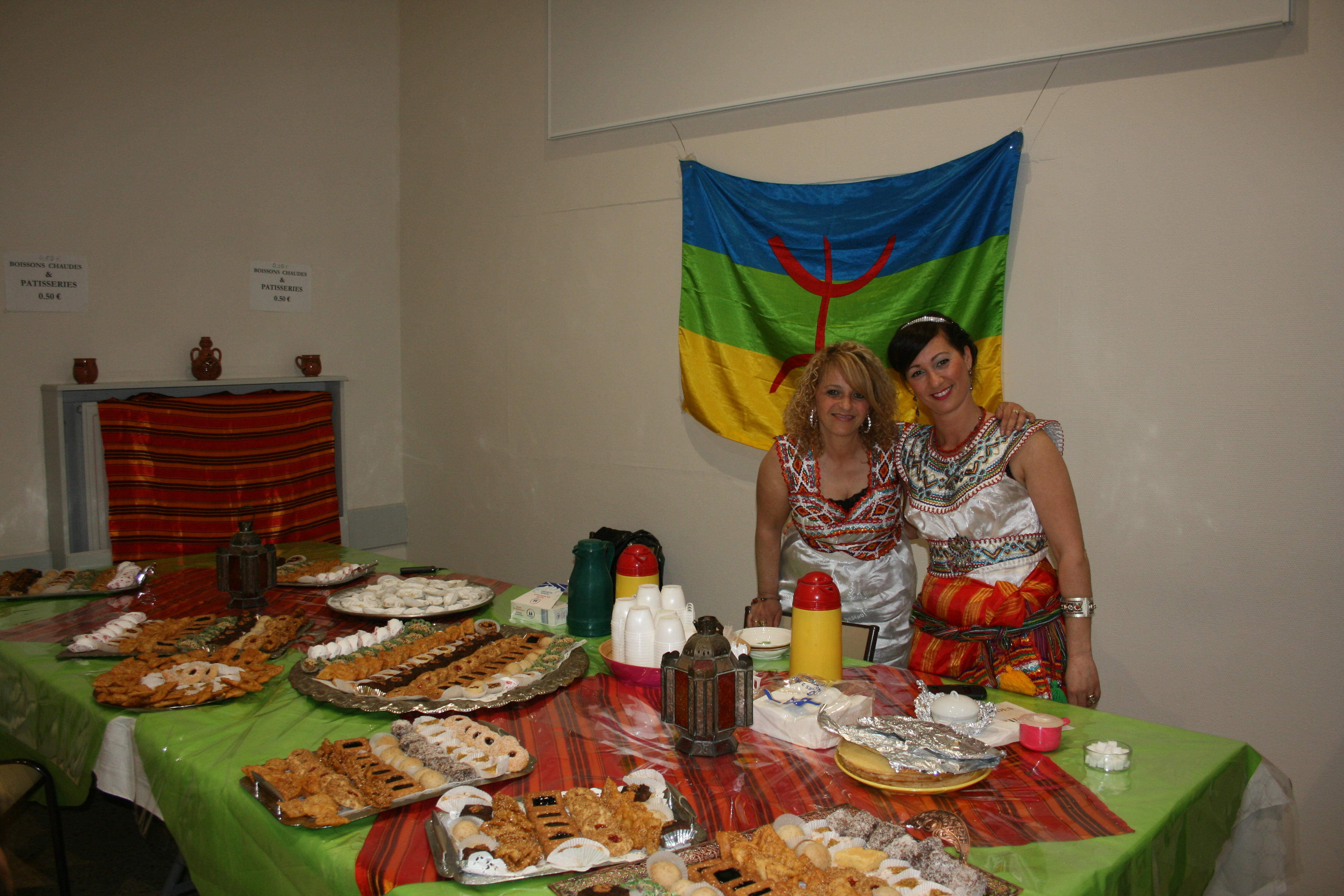 L'association d'échanges culturels franco-berbère AZAR rend hommage à la chanteuse Na Cherifa