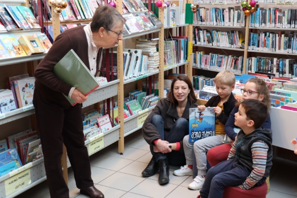 CONTE DE NOEL A LA BIBLIOTHEQUE